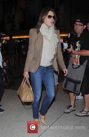Elizabeth Hurley - Elizabeth Hurley leaving LAX airport - Los Angeles, California, United States - Friday 10th October 2014