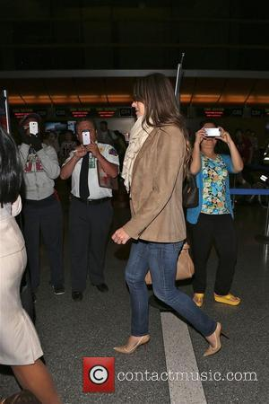 Elizabeth Hurley - Elizabeth Hurley departs from LAX airport - Los Angeles, California, United States - Friday 10th October 2014