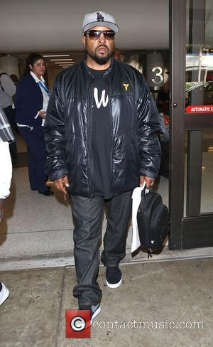 Ice Cube - Ice Cube arrives at Los Angeles International (LAX) airport - Los Angeles, California, United States - Saturday...