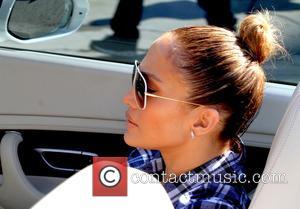 Jennifer Lopez - Jennifer Lopez visits Mr. Bones Pumpkin Patch - Los Angeles, California, United States - Saturday 11th October...