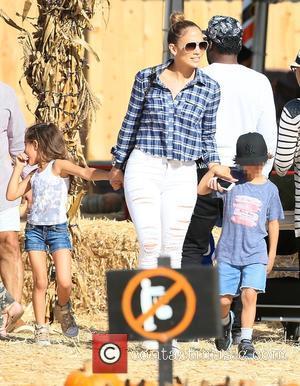 Jennifer Lopez, Emme Muniz and Maximilian Muniz - Latin American pop superstar Jennifer Lopez visited Mr. Bones Pumpkin Patch with...