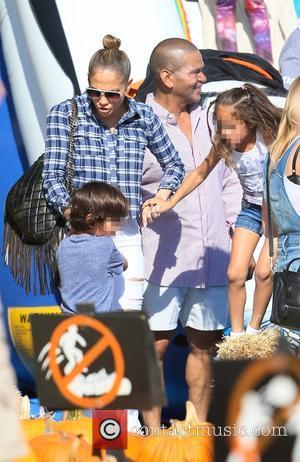 Jennifer Lopez, Maximilian Muniz and Emme Muniz - Latin American pop superstar Jennifer Lopez visited Mr. Bones Pumpkin Patch with...
