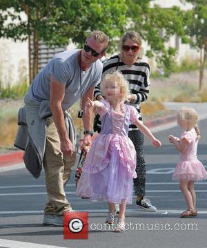 Eric Dane, Rebecca Gayheart, Billie Beatrice Dane and Georgia Dane - Eric Dane and Rebecca Gayheart take their daughters to...