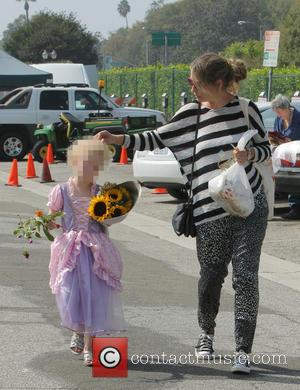 Rebecca Gayheart and Billie Beatrice Dane - Eric Dane and Rebecca Gayheart take their daughters to the farmers market -...