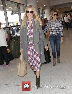 LeAnn Rimes - LeAnn Rimes at Los Angeles International Airport at Los Angeles International Airport (LAX) - Los Angeles, California,...