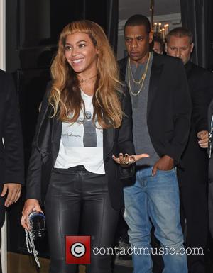 Beyonce Dedicates Song To Jay Z During Tour Opener