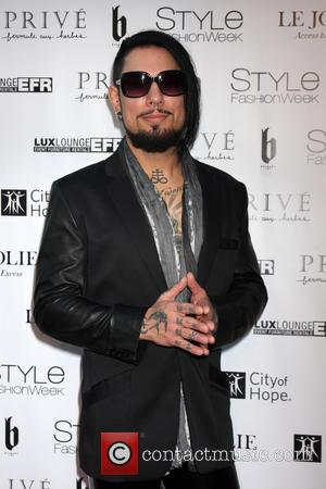 "Dave Navarro Talks Dealing With Mother's Murder: ""I Don't Know If There's Ever a Day When You're Repaired"""