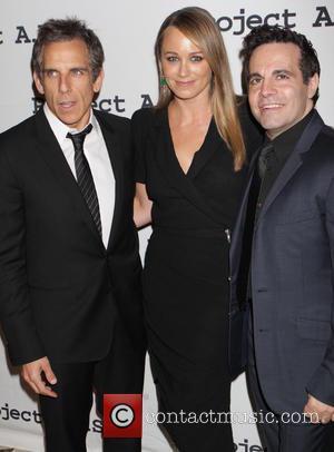 Christine Taylor, Ben Stiller, Mario Cantone