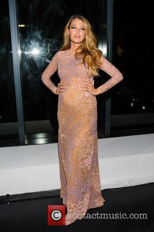 Blake Lively Is More Beautiful Than Ever As She Shows Off Baby Bump [Pictures]