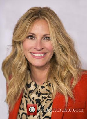 Julia Roberts And Danny Moder Given Humanitarian Award