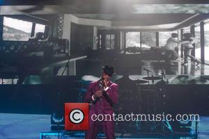 Ne-Yo performs live in concert at the House of Blues
