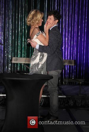 Julie Bowen and Nolan Gould