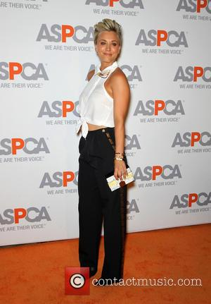 Kaley Cuoco-sweeting Wins Compassion Award From Aspca