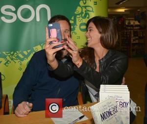 Chris O'dowd and Glenda Gilson