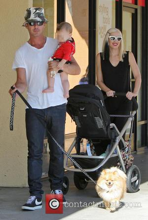 Gavin Rossdale, Apollo Rossdale and Gwen Stefani - Gwen Stefani and Gavin Rossdale shop with their three children in Studio...