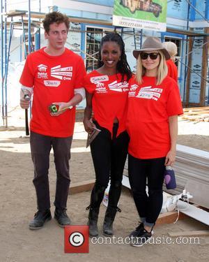 Jeremy Allen White, Shanola Hampton and Kristen Bell