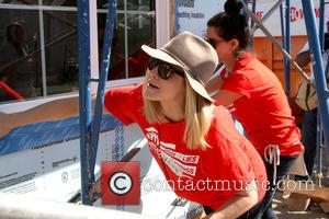 Kristen Bell - 'The cast of Shameless and House of Lies were on hand to help out at the Greater...