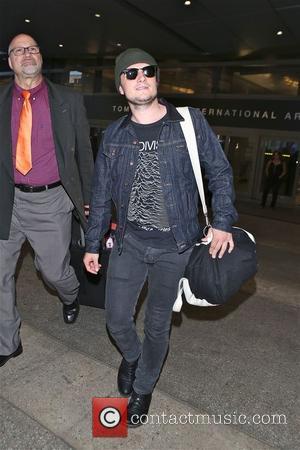 Josh Hutcherson - Josh Hutcherson arrives at LAX airport in Los Angeles - Los Angeles, California, United States - Saturday...