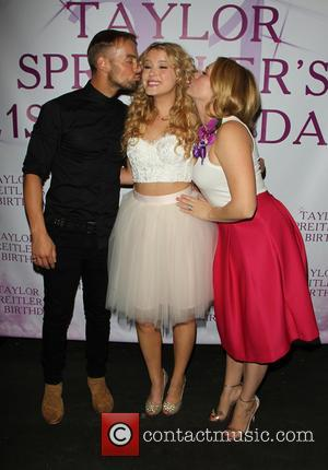 Taylor Spreitler, Joey Lawrence and Melissa Joan Hart
