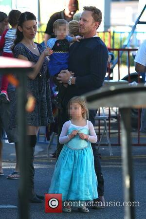 Ian Ziering, Penna Ziering and Mia Ziering - Ian Ziering with his family at the Studio City Farmers Market at...