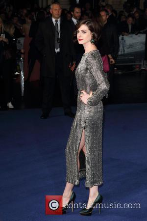 Anne Hathaway - UK Premiere of 'Interstellar' held at the Odeon Cinema Leicester Square - Arrivals at Odeon Leicester Square...