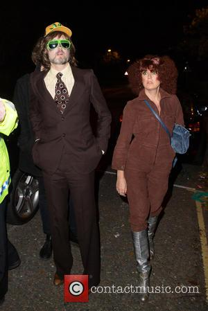 Jarvis Cocker and Kim Sion - Jonathan Ross' Halloween party - Arrivals at Hampstead Way - London, United Kingdom -...