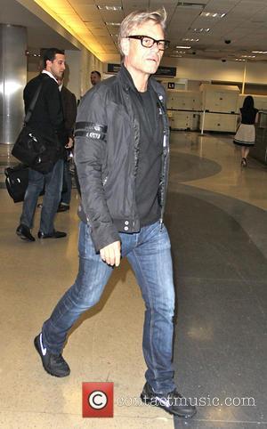 Harry Hamlin - Harry Hamlin arrives at Los Angeles International Airport (LAX) - Los Angeles, California, United States - Tuesday...