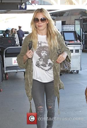 LeAnn Rimes - LeAnn Rimes at Los Angeles International Airport (LAX) - Los Angeles, California, United States - Tuesday 4th...