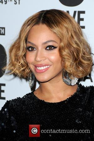 Beyoncé - Sir Philip Green and Lady Green Host the Topshop Topman Dinner In Celebration of the 5th Avenue New...