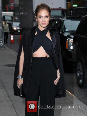 Gerard Butler Pokes Fun At Jennifer Lopez Over Hollywood Film Awards Slip-up