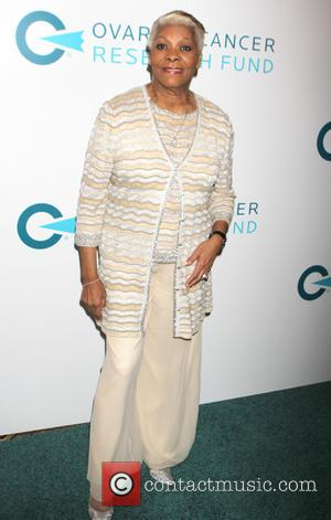 Dionne Warwick - 2014 Ovarian Cancer Research Fund's Legends Gala at The Pierre Hotel - Arrivals at Pierre Hotel -...