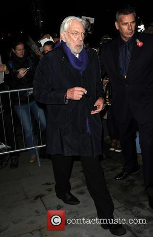 Donald Sutherland - Donald Sutherland leaves a hotel in London - London, United Kingdom - Monday 10th November 2014