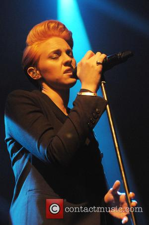 Elly Jackson and La Roux - Photographs of English synthpop artist La Roux performing live at the Shephard's Bush Empire...
