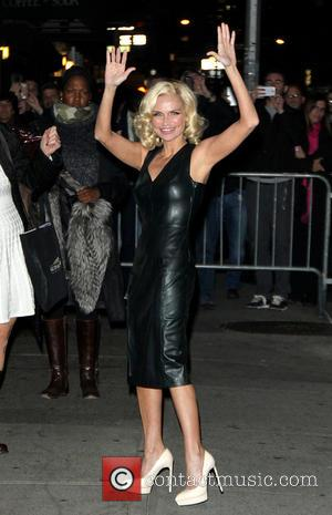 Kristin Chenoweth - Celebrities outside the Ed Sullivan Theater for 'Late Show with David Letterman' at Ed Sullivan Theater -...