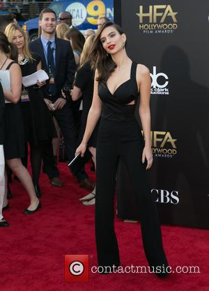 Emily Ratajkowski - 18th Annual Hollywood Film Awards at the Hollywood Palladium - Arrivals at The Palladium, Hollywood Film Awards...