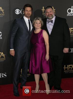 Gerard Butler and parents - 2014 Hollywood Film Awards at The Palladium - Arrivals at The Palladium, Hollywood Film Awards...