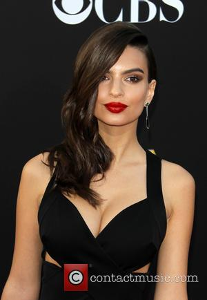Emily Ratajkowski - 18th annual Hollywood Film Awards at Hollywood Palladium - Arrivals at The Palladium, Hollywood Film Awards -...
