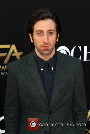 Simon Helberg - 18th annual Hollywood Film Awards at Hollywood Palladium - Arrivals at The Palladium, Hollywood Film Awards -...