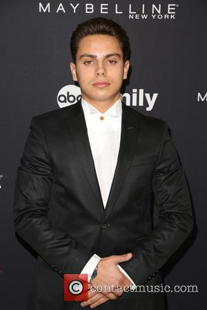Jake T. Austin Dating Fan
