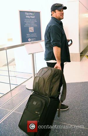 Dean Cain - Dean Cain at Los Angeles International Airport (LAX) at LAX - Los Angeles, California, United States -...