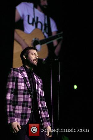 Kasabian Shocked By Concert Backdrop Error