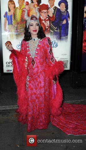 Priscilla Presley - 'Snow White and the Seven Dwarfs' at Manchester Opera House - Photocall - Manchester, United Kingdom -...