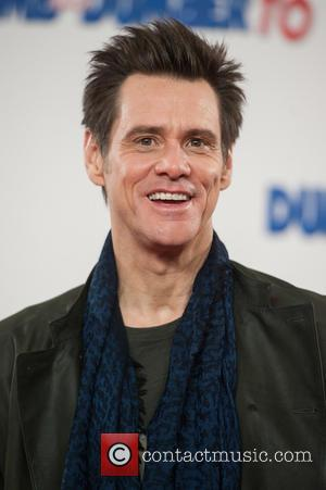 Jim Carrey Plays Roadie Prank On Adele