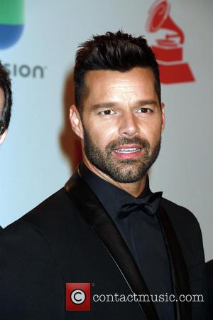 Ricky Martin Laughs Off Death Hoax With Vacation Shots