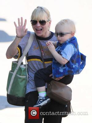 Anna Faris and Jack Pratt - Anna Faris spotted out with her son Jack Pratt in Beverly Hills - Los...