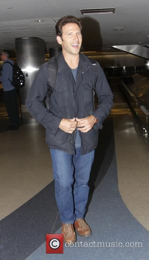 Mark Feuerstein - Celebrities at LAX airport in Los Angeles - Hollywood, California, United States - Friday 21st November 2014