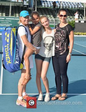 Martina Navratilova, Emma Lemigova, Victoria Lemigova and Julia Lemigova