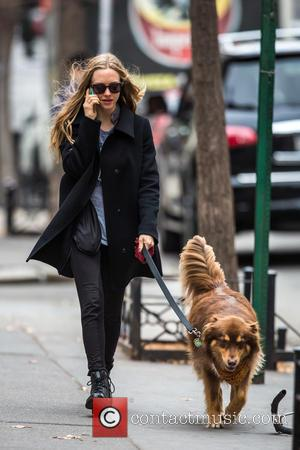 Amanda Seyfried and Flynn