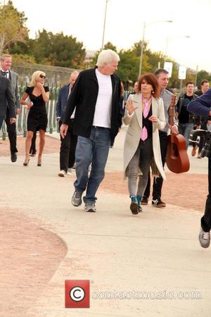 Chrissie Hynde - Pamela Anderson and Chrissie Hynde give away Peta Leader at his gay wedding under the Las Vegas...