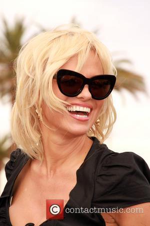 Pamela Anderon - Pamela Anderson and Chrissie Hynde give away Peta Leader at his gay wedding under the Las Vegas...
